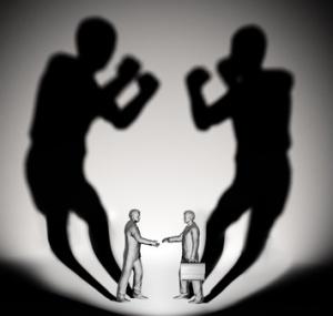 Hombres de negocio discutiendo